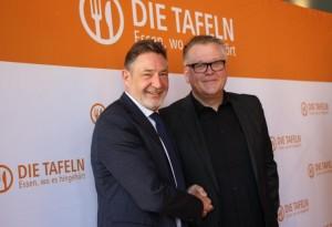 Oberbürgermeister Jann Jakobs und der Vorsitzende des Bundesverbandes Deutsche Tafel e.V., Jochen Brühl (© LHP)